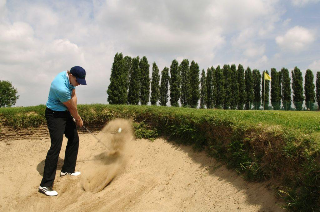 fandegolf - mouvements au golf - sortie de bunker